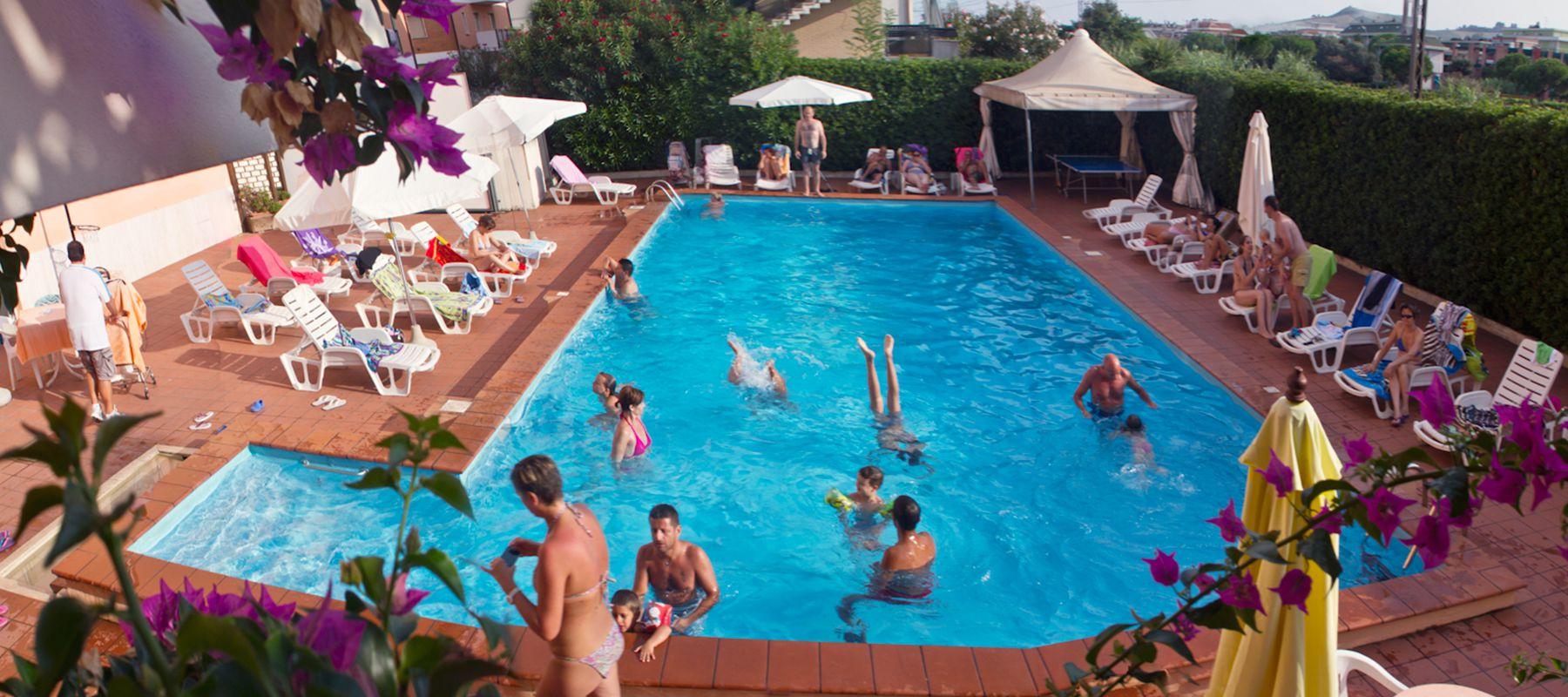 Hotel 3 stelle San Benedetto del Tronto con piscina